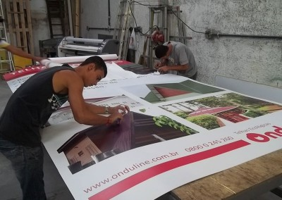 Impressão digital em placa de PVC